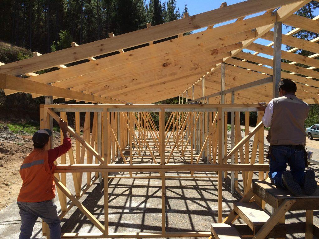 Arquitectos de 57studio presentan galp n de madera en la for Como construir piletas de material